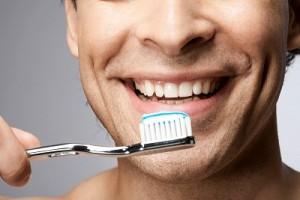 Домашнее и профессиональное отбеливание зубов